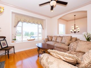 Photo 2: 5758 BURNS Place in Burnaby: Upper Deer Lake House for sale (Burnaby South)  : MLS®# R2618055