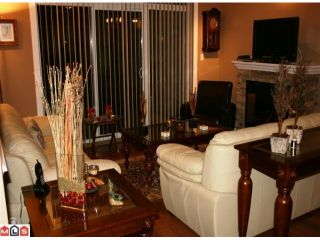 """Photo 4: 107 2068 SANDALWOOD Crescent in Abbotsford: Central Abbotsford Condo for sale in """"THE STERLING"""" : MLS®# F1018946"""