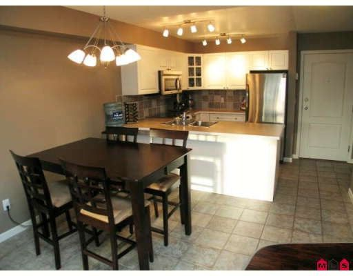 """Main Photo: 118 20896 57TH Avenue in Langley: Langley City Condo for sale in """"BAYBERRY LANE"""" : MLS®# F2901832"""