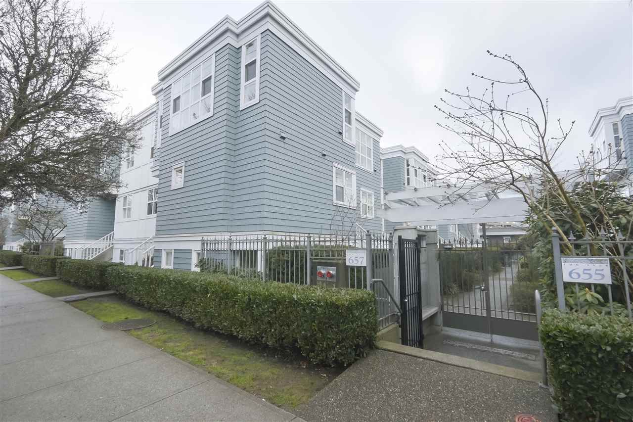 """Photo 20: Photos: 103 657 W 7TH Avenue in Vancouver: Fairview VW Townhouse for sale in """"THE IVYS"""" (Vancouver West)  : MLS®# R2348649"""