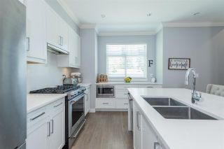 """Photo 5: 38 2427 164 Street in Surrey: Grandview Surrey Townhouse for sale in """"The Smith"""" (South Surrey White Rock)  : MLS®# R2576199"""