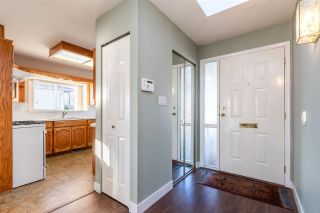 """Photo 3: 6 33922 KING Road in Abbotsford: Poplar Townhouse for sale in """"Kingsview Estates"""" : MLS®# R2420349"""