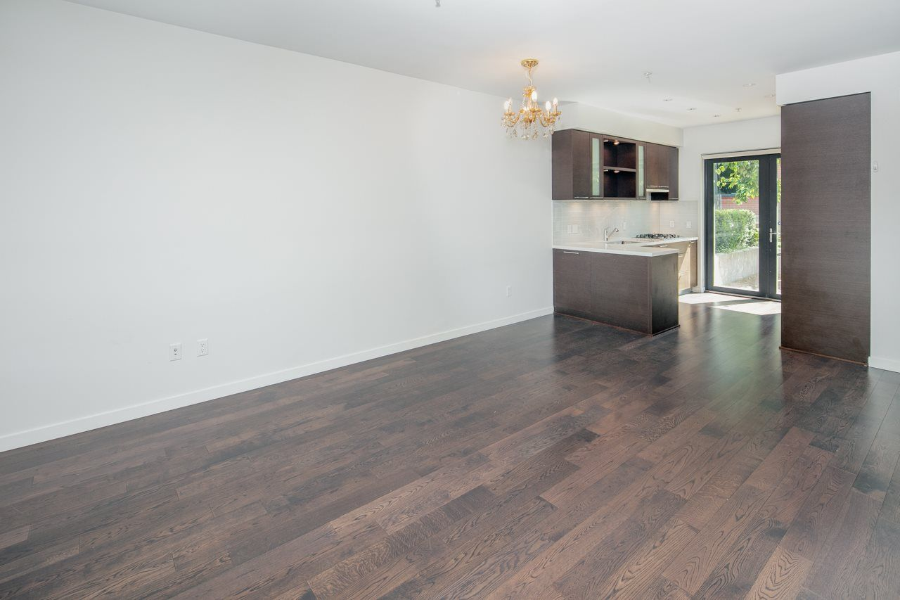 "Photo 4: Photos: 6436 ASH Street in Vancouver: Oakridge VW Townhouse for sale in ""WESTON WALK"" (Vancouver West)  : MLS®# R2329065"