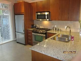 """Photo 4: 5881 IRMIN ST in Burnaby: Metrotown Condo for sale in """"MACPHERSON WALK EAST"""" (Burnaby South)  : MLS®# V888092"""
