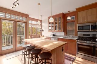 Photo 10: 120 24 Avenue in Vancouver: Main House for sale (Vancouver East)  : MLS®# R2419469