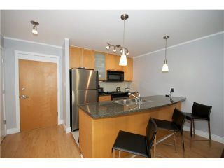 """Photo 2: 605 989 RICHARDS Street in Vancouver: Downtown VW Condo for sale in """"THE MONDRIAN"""" (Vancouver West)  : MLS®# V833931"""