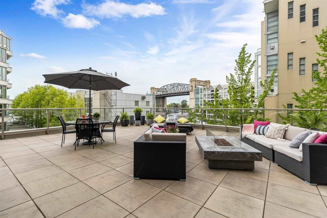 """Main Photo: 203 1625 HORNBY Street in Vancouver: Yaletown Condo for sale in """"SEAWALK NORTH"""" (Vancouver West)  : MLS®# R2577394"""