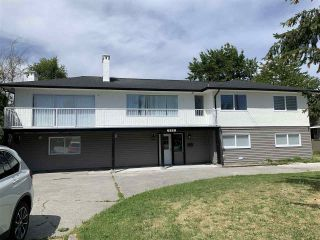 Photo 1: 6229 LADNER TRUNK Road in Delta: Holly House for sale (Ladner)  : MLS®# R2552895