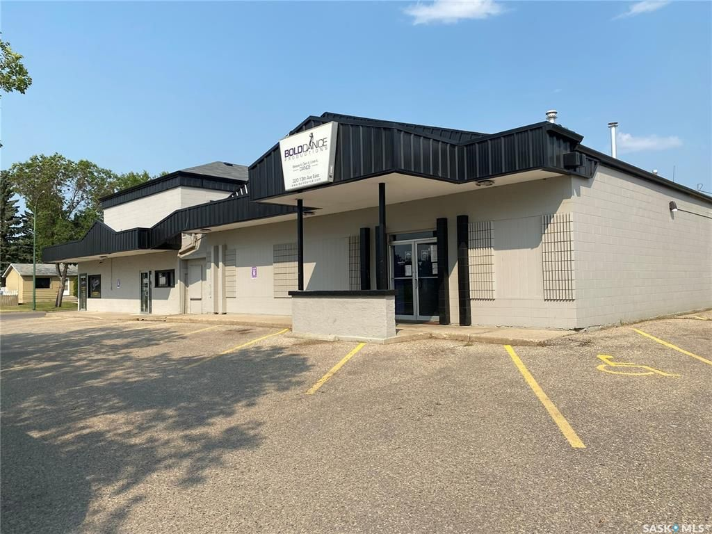 Main Photo: 320 13th Avenue East in Prince Albert: East Flat Commercial for sale : MLS®# SK864139