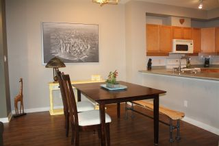 """Photo 7: 105 38 SEVENTH Avenue in New Westminster: GlenBrooke North Condo for sale in """"THE ROYCROFT"""" : MLS®# R2161029"""