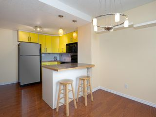 Photo 3: 22 6440 4 Street NW in Calgary: Thorncliffe Row/Townhouse for sale : MLS®# A1101798