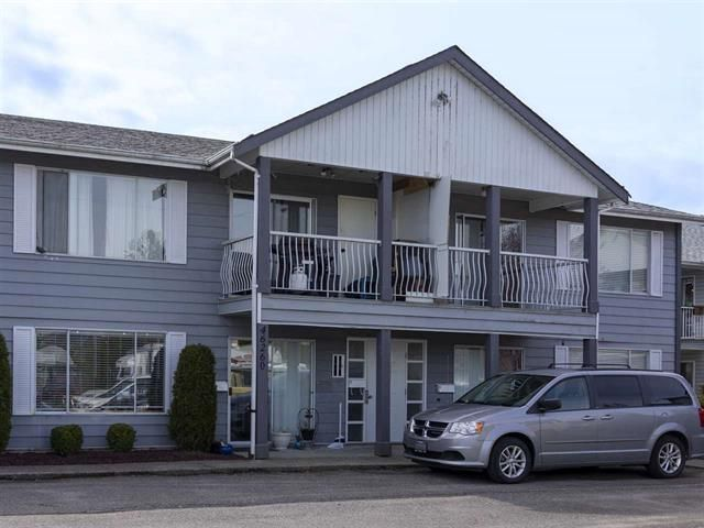 Main Photo: 8 46260 Hardord Street in Chilliwack: Condo for sale : MLS®# R2449102