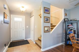 """Photo 6: 6109 GREENSIDE Drive in Surrey: Cloverdale BC Townhouse for sale in """"Greenside Estates"""" (Cloverdale)  : MLS®# R2264200"""