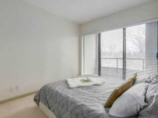 """Photo 11: 408 7368 SANDBORNE Avenue in Burnaby: South Slope Condo for sale in """"MAYFAIR 1"""" (Burnaby South)  : MLS®# R2380990"""