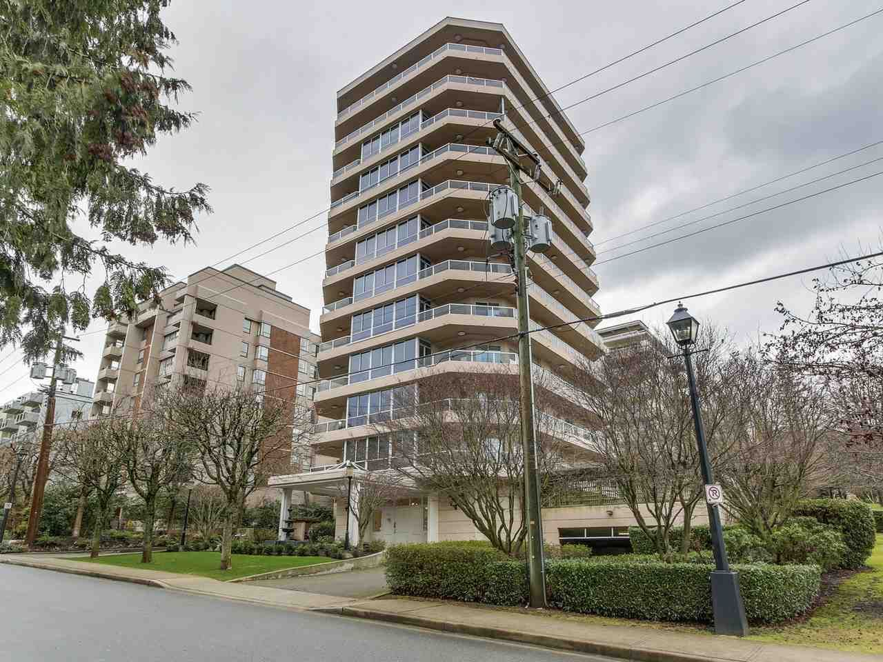 """Main Photo: 2 1717 DUCHESS Avenue in West Vancouver: Ambleside Condo for sale in """"The Regent"""" : MLS®# R2138908"""