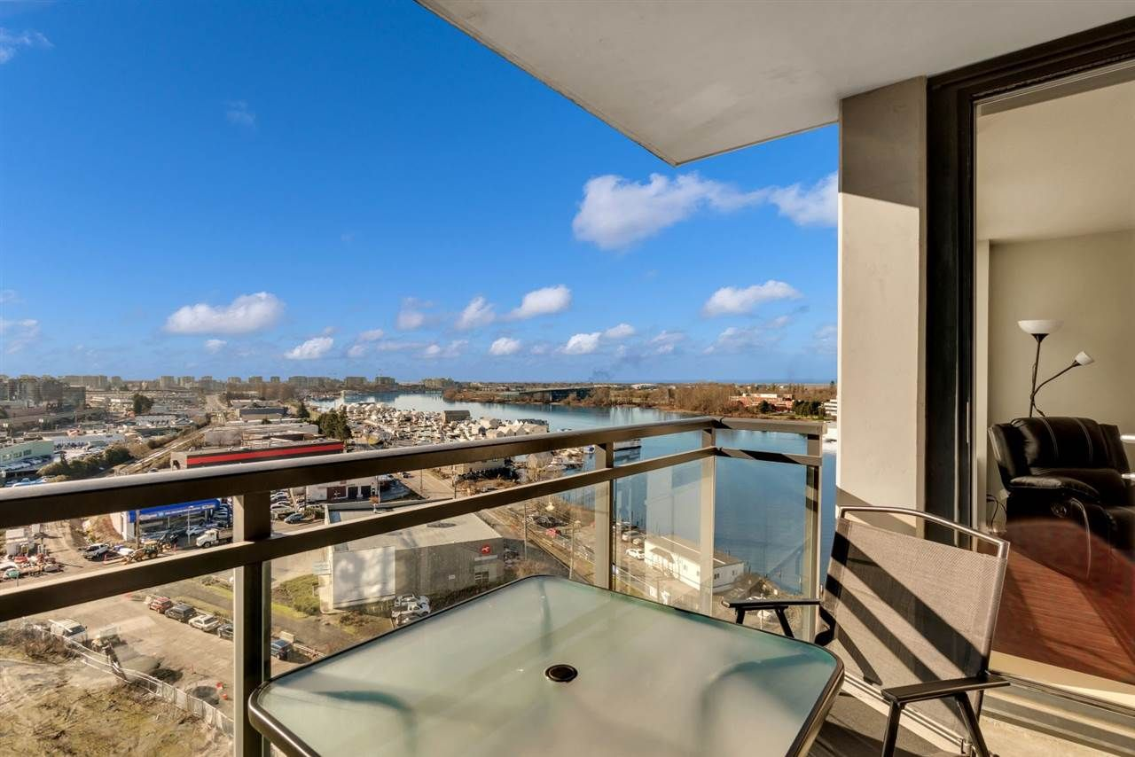 """Main Photo: 1504 3333 CORVETTE Way in Richmond: West Cambie Condo for sale in """"Wall Centre at the Marina"""" : MLS®# R2535983"""