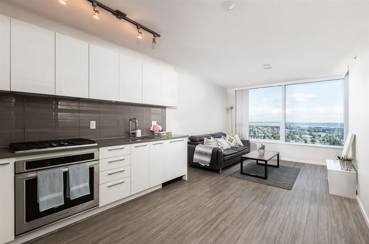 """Main Photo: 3301 6658 DOW Avenue in Burnaby: Metrotown Condo for sale in """"MODA"""" (Burnaby South)  : MLS®# R2382106"""