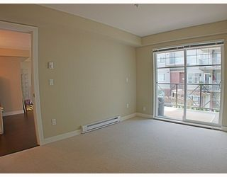 Photo 6: 205 3250 ST JOHNS Street in Port_Moody: Port Moody Centre Condo for sale (Port Moody)  : MLS®# V782636