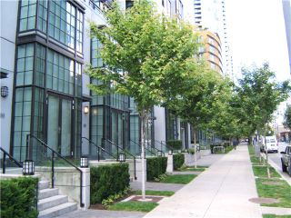 """Photo 2: 2306 1255 SEYMOUR Street in Vancouver: Downtown VW Condo for sale in """"ELAN"""" (Vancouver West)  : MLS®# V839228"""