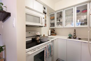 """Photo 7: 102 1330 HARWOOD Street in Vancouver: West End VW Condo for sale in """"WESTSEA TOWERS"""" (Vancouver West)  : MLS®# R2563139"""