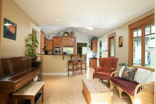 Photo 9: 3498 NORWOOD Ave in North Vancouver: Upper Lonsdale Home for sale ()  : MLS®# V1067777