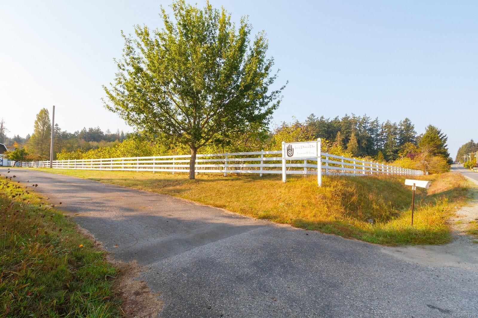 Main Photo: 1765 McTavish Rd in : NS Airport House for sale (North Saanich)  : MLS®# 857310