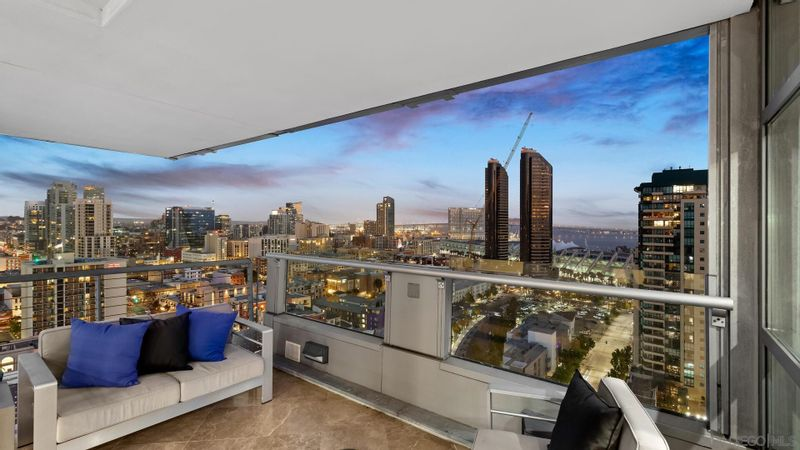 FEATURED LISTING: 2004 - 645 Front Street San Diego