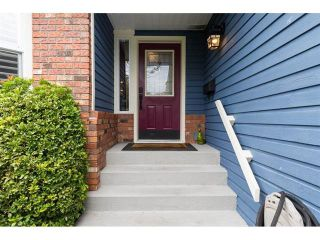 Photo 2: 5383 Westminster Avenue in Ladner: Home for sale : MLS®# R2079910