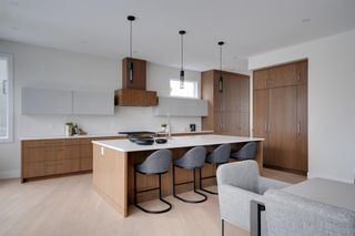 Photo 16: 711 Imperial Way SW in Calgary: Britannia Detached for sale : MLS®# A1140293