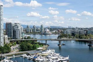 """Photo 31: 1902 1228 MARINASIDE Crescent in Vancouver: Yaletown Condo for sale in """"Crestmark II"""" (Vancouver West)  : MLS®# R2582919"""