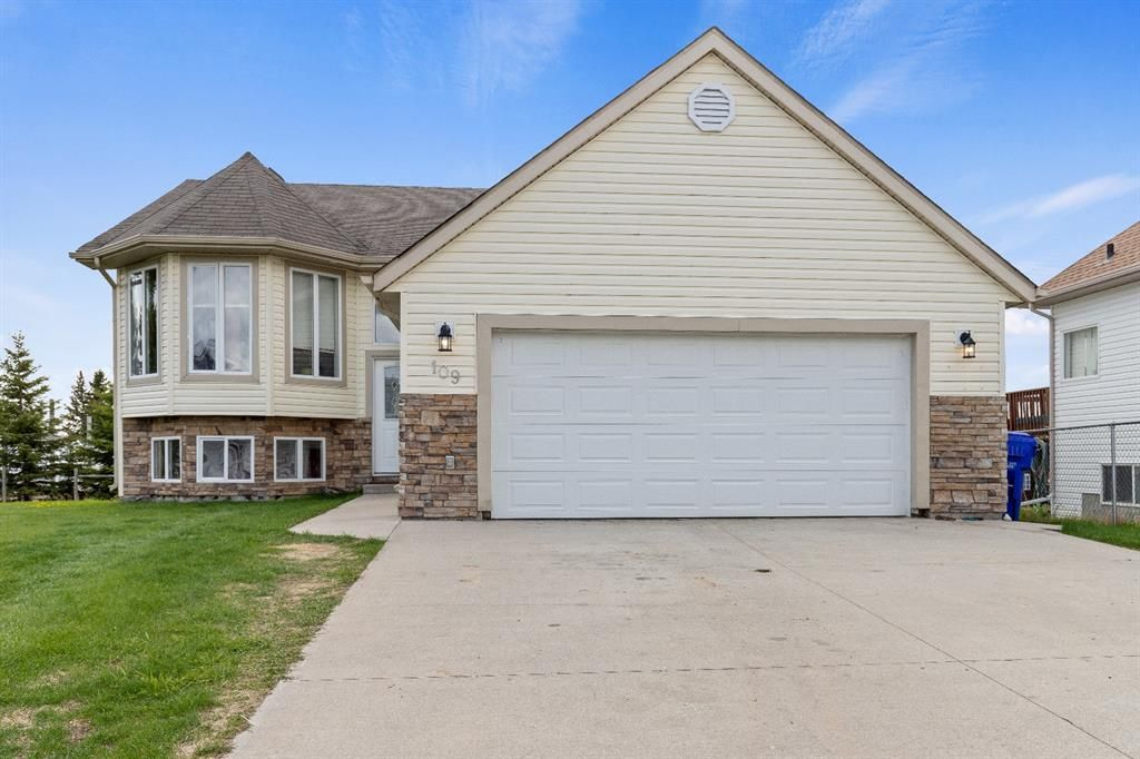 Main Photo: 109 Sierra Place: Olds Detached for sale : MLS®# A1113828