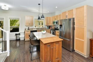 Photo 12: 111 2889 CARLOW Rd in : La Langford Proper Row/Townhouse for sale (Langford)  : MLS®# 878589