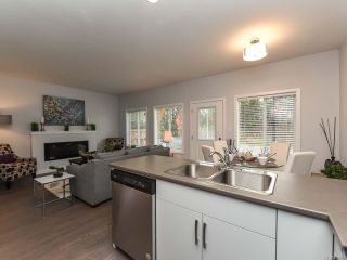 Photo 19: 40 2109 13th St in COURTENAY: CV Courtenay City Row/Townhouse for sale (Comox Valley)  : MLS®# 831807