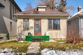 Photo 2: 724 18 Avenue NW in Calgary: Mount Pleasant Detached for sale : MLS®# A1118678