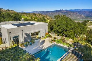 Photo 2: SOUTH ESCONDIDO House for sale : 4 bedrooms : 16044 Highland Valley Road in Escondido