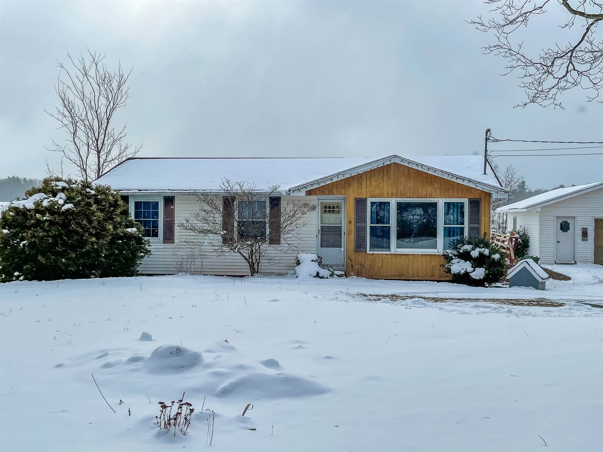 Main Photo: 702 Lakewood Road in Keddys Corner: 404-Kings County Residential for sale (Annapolis Valley)  : MLS®# 202101334
