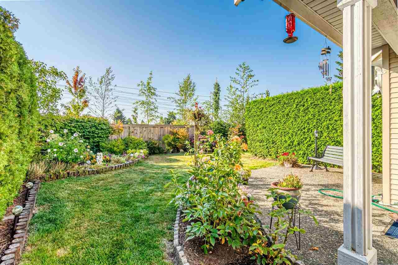 """Photo 17: Photos: 17 13499 92 Avenue in Surrey: Queen Mary Park Surrey Townhouse for sale in """"CHATHAM LANE"""" : MLS®# R2403467"""