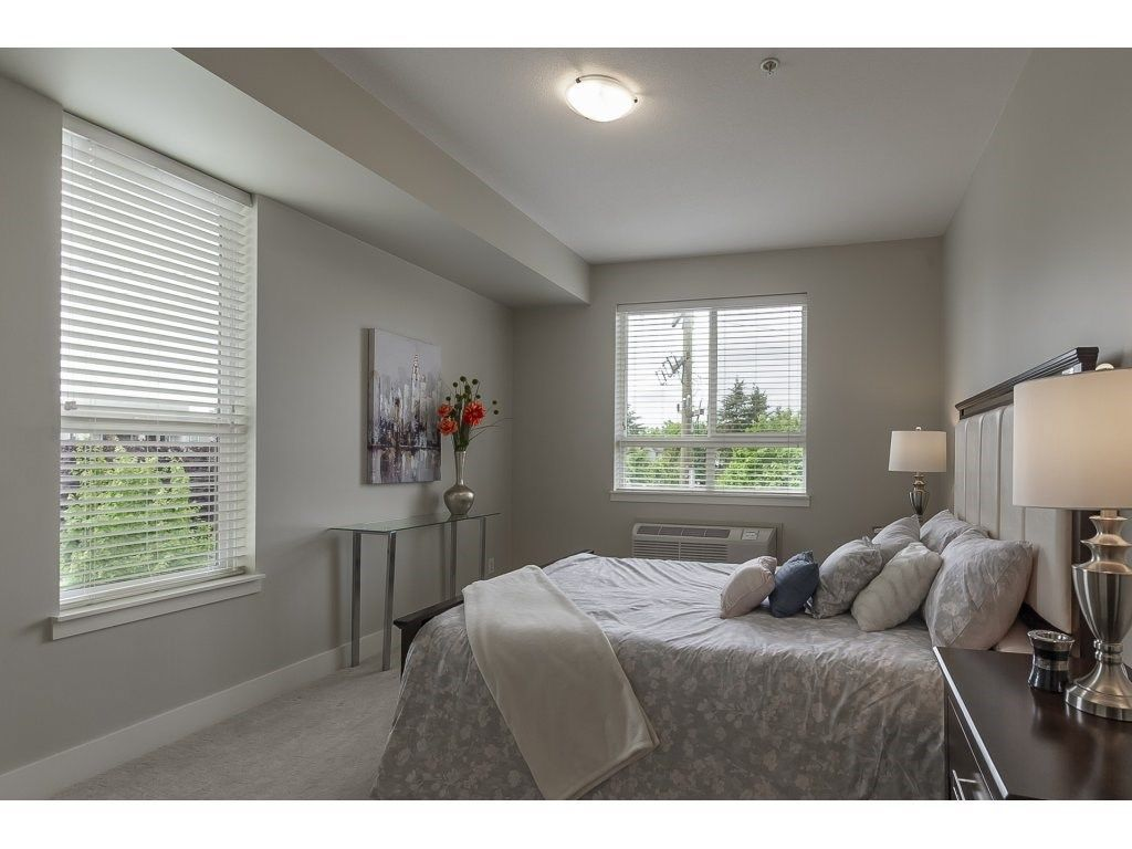 """Photo 13: Photos: 318 5430 201 Street in Langley: Langley City Condo for sale in """"The Sonnet"""" : MLS®# R2282213"""