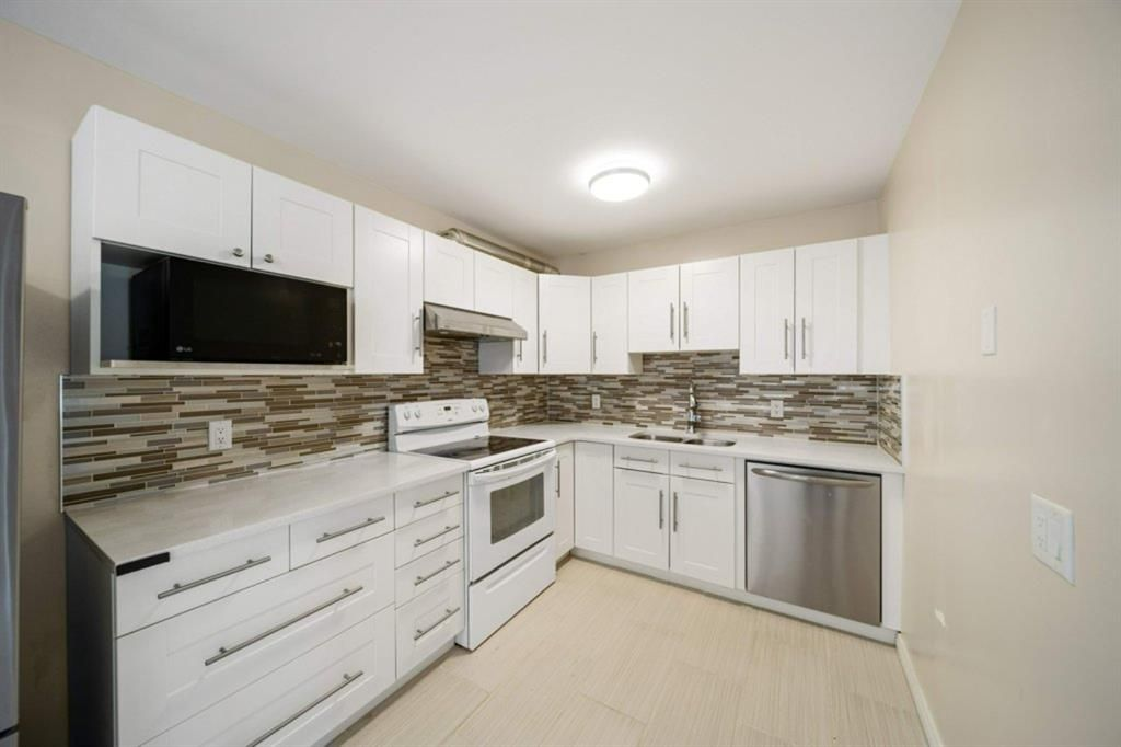 Main Photo: 4307 4A Avenue SE in Calgary: Forest Heights Row/Townhouse for sale : MLS®# A1142368