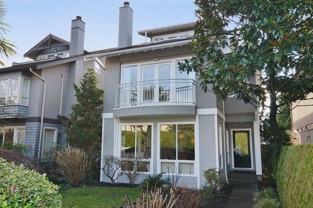 """Main Photo: 2092 WHYTE Avenue in Vancouver: Kitsilano 1/2 Duplex for sale in """"KITS POINT"""" (Vancouver West)  : MLS®# V1100092"""