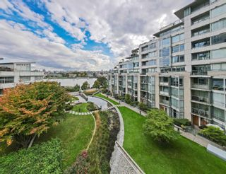 """Photo 35: TH117 1288 MARINASIDE Crescent in Vancouver: Yaletown Townhouse for sale in """"Crestmark I"""" (Vancouver West)  : MLS®# R2625173"""