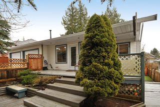 Photo 8: 18055 64TH Avenue in Surrey: Cloverdale BC House for sale (Cloverdale)  : MLS®# F1405345