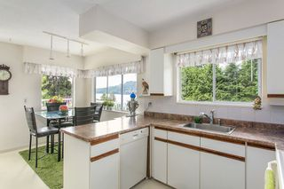 Photo 5: 546 BOURNEMOUTH Crescent in North Vancouver: Windsor Park NV House for sale : MLS®# R2089525
