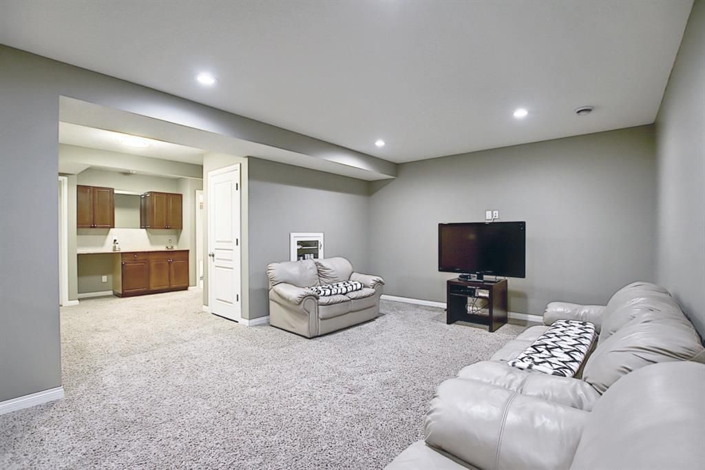 Photo 25: Photos: 14 ASPEN HILLS Manor SW in Calgary: Aspen Woods Detached for sale : MLS®# A1116032