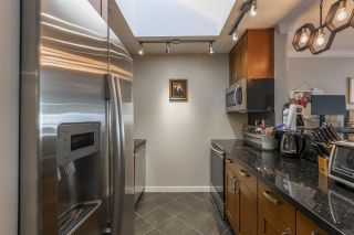 """Photo 3: 309 225 MOWAT Street in New Westminster: Uptown NW Condo for sale in """"THE WINDSOR"""" : MLS®# R2554260"""