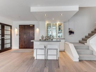 """Photo 15: 801 1383 MARINASIDE Crescent in Vancouver: Yaletown Condo for sale in """"COLUMBUS"""" (Vancouver West)  : MLS®# R2504775"""