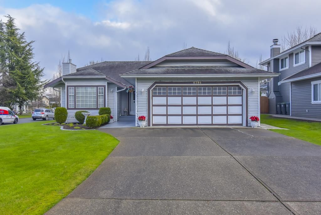 Main Photo: 6296 171A Street in Surrey: Cloverdale BC House for sale (Cloverdale)  : MLS®# R2520961