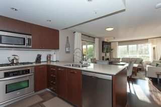 Photo 10: 202 2940 KING GEORGE BOULEVARD in South Surrey White Rock: King George Corridor Home for sale ()  : MLS®# R2314708