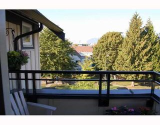 "Photo 5: 402 736 W 14TH Avenue in Vancouver: Fairview VW Condo for sale in ""BRAEBERN"" (Vancouver West)  : MLS®# V790035"