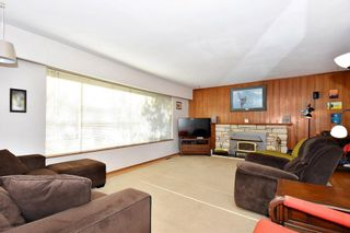 Photo 3: 2627 E 56TH Avenue in Vancouver: Fraserview VE House for sale (Vancouver East)  : MLS®# R2243250